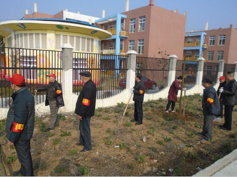 甘棠铺社区志愿者植树