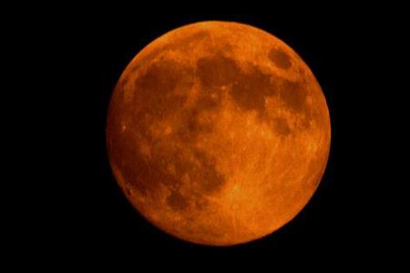 日,江苏淮安,中秋的月亮.-中秋月圆夜 多地居民晒赏月图