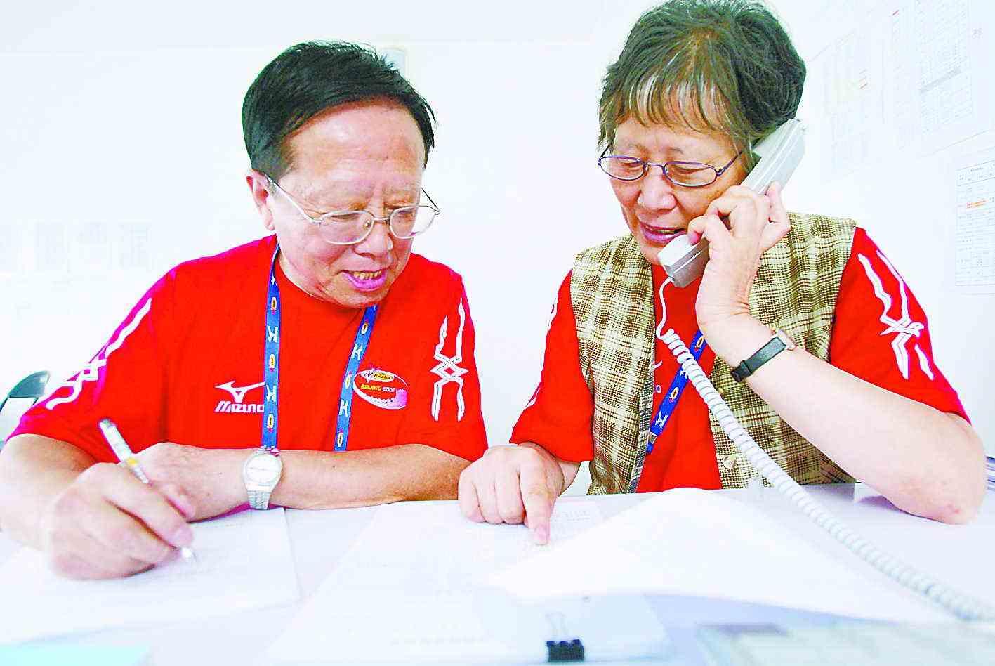 老年志愿者服务社区 别样风景暖人心