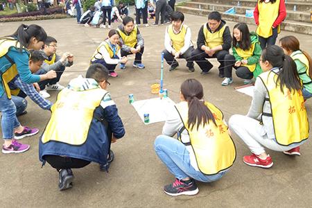 谱写青春华章 井岗社区开展五四青年节团队拓展活动